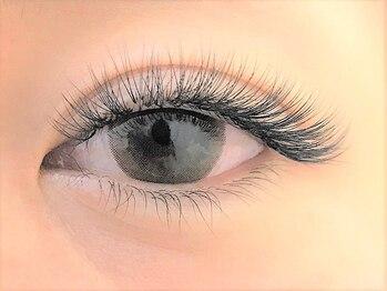 アイラッシュサロンティアラの写真/まつ毛が短い・少ない・細い…【エアリーボリュームラッシュ】でコンプレックスを解消☆ふさふさまつげに♪