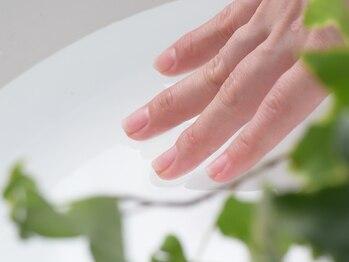 アマカ ネイル(amaca nail)の写真/薄い爪、割れやすい爪で悩んでいる方☆プロのケアネイリストがお客様の爪・肌の状態を見て徹底ケア!!