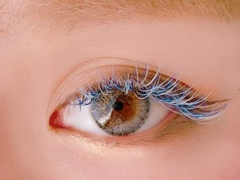 ダズルアイラッシュ 綾瀬(Dazzle eyelash)の写真/当店はカラーエクステがいつでも通常のマツエクと同価格!瞳や髪色に合わせてあなたのお目元を演出します!