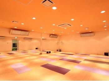 トータルボディヨガ メディアメガ高崎スタジオの写真/遠赤外線効果の床暖房で、身体の芯からポッカポカに温まる♪【ホットヨガ初回体験レッスン☆¥500】