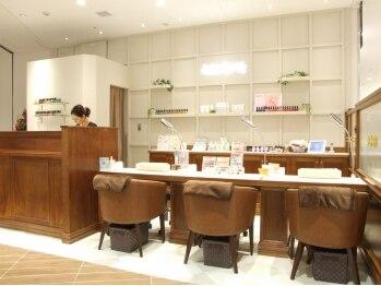 ネイルクイック グランエミオ大泉学園店(東京都練馬区)
