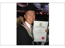 サルーテ カイロプラクティック/オーストラリアの大学院を卒業