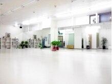 ジョイント ダンス スタジオ(JOY-NT Dance Studio)の雰囲気(アロマを焚いて癒し音楽をかけた「リラックスヨガ」です♪)