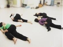 ジョイント ダンス スタジオ(JOY-NT Dance Studio)の雰囲気(身体をほぐしてリフレッシュ!)