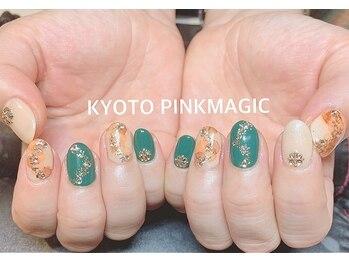 ピンクマジック(PINKMAGIC)/ベージュの垂らし込みアート