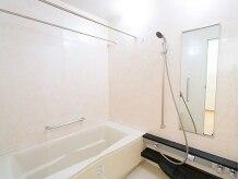 ダイエットジム エススリー 上野店(es three)の雰囲気(広々としたシャワールーム完備。たくさん汗をかいた後でも安心♪)