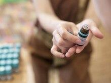 オーガニックアロマサロン 紡ぎ家(Organic Aroma Salon)の雰囲気(アロマの香りを確認しながらブレンドオイルを調合◆)