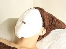 美容成分をお肌に浸透させながら、石膏マスクで引き締め♪