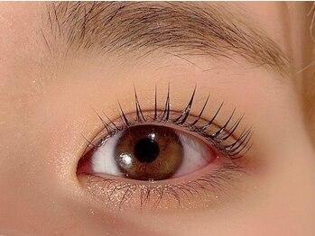 アール バイ アルケティップ(R by ARCHETYPE)の写真/お手入れも簡単なまつ毛パーマ!!ビューラーやカーラーでは難しい目尻や目頭までしっかり上げていきます♪