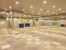 ホットヨガスタジオ美温 東京オペラシティの雰囲気(富士山の溶岩石で温める特殊構造のスタジオ)