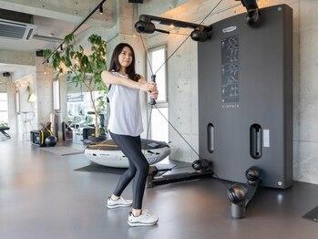 バラセッティ(baracetti)の写真/【美しいくびれをGET】新感覚マシン[キネシス]全身の筋力、バランス力、柔軟性を効果的にトレーニング!