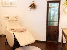 サロンドメロウ(salon de mellow)の雰囲気(優しい灯りと寝心地の良いベッドで思わずウトウト…リラックス♪)