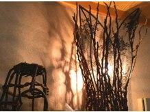 アジアンリラクゼーション ヴィラ 可児店(asian relaxation villa)の雰囲気(《癒される灯りと、心地良い施術で心身ともにリラックス…》)