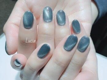 ルチア(Lucia)/キャッツアイブルーネイル