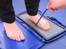 足の形、体重の掛かり方を確認☆