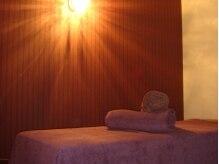 バグースジャティ(BAGUSJATI)の雰囲気(ほどよい間接照明が癒しのひと時を誘います。)