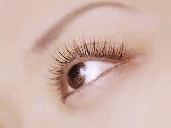 ベリーアイズ(Berry Eyes)の写真/至高の技術力☆美しい曲線を描く理想の美まつげ!3月限定★キャンペ-ン☆60~100本つけ放題¥2980