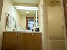 ジム ギガント(GYM GIGANT)の雰囲気(シャワー室完備(タオル・ウェアレンタル無料、靴預かり無料))