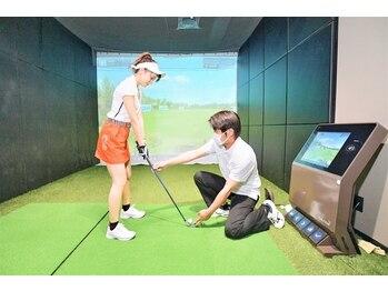 チキンゴルフ 新宿店(Chicken Golf)の写真/最新ゴルフシミュレーションでプライベートレッスン!ゴルフ初心者でも大歓迎◎