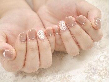 エーレイス(A-lace)の写真/シンプル~定番デザインまで豊富にご用意◎大人女性の定番、華やか上品デザインで、きれいな指先に♪