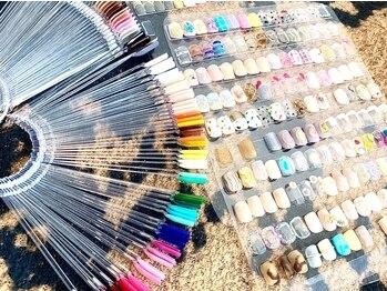 エスラウンジネイル(S LOUNGE NAIL)の写真/【毎回変わる定額ネイル】カラー変更・配置変えOK◎トレンドを取り入れたデザインも多く大人女性に大人気♪