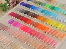 アオヤマ ミュー(AOYAMA μ)の雰囲気(カラージェル、ラメなど、500種類以上の色味を揃えています^^)