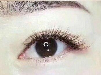エリシアン ビューティーサロン(Elysian)の写真/種類豊富な高品質商材を取り揃え、目の形に合わせてカールをMIX!貴方だけのデザインを叶えてくれるサロン♪