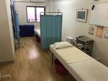 まつもと施療院の雰囲気(施術ベットは2台ご用意させて頂いています。半個室。)
