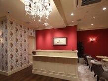 銀座カラー 高崎店の雰囲気(スタイリッシュで清潔感あふれる落ち着いた雰囲気の店内。)