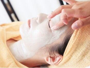 """レイ サロン(Lei salon)の写真/【どろんこ×琥珀美容】で""""素肌美""""を手に入れて☆ハリとうるおいのある、キメ細やかな素肌に導きます。"""