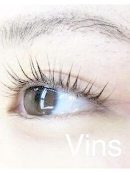 ビーヴァンス(B'Vins)/