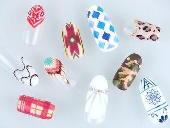 ネイルサロン ディンプルの写真/【ラメグラ+デザイン2本¥1100/1カラー+デザイン2本¥2200】種類豊富なネイルでリピーター続出の人気サロン♪
