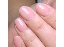 シンプルで手をキレイにみせるカラーや、デザインが豊富!