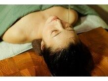 咲(emi)の雰囲気(ハーブ水を使用したシロダーラは髪がふわふわになると定評!!)