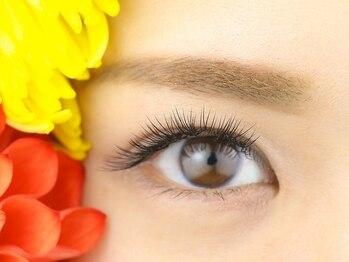 アイラッシュサロンボニー(eyelash salon Bonnie)の写真/ボリュームは欲しいけど自然な目元にしたい方へ◎【オフ込☆フラットラッシュ160本¥9900】自然に目力UP!