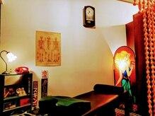 ロマンルーム(Roman Room)の雰囲気(のれんをくぐると昭和レトロのルームに変わります)