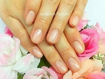 ネイルサロン パルファン(Parfum)の写真/【爪のお悩みならParfumへお任せ】自爪を育成し自信の持てる手元、指先に♪健康的な美爪へ☆