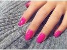 濃いピンクのワンカラー