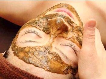 美顔 痩身アンドリンパ 推拿整体 ハンナ(HAN NA)の写真/真新しい、肌。キメ、つるん。[医療提携◆最新ハーブピーリング¥54000→¥21600]美白/毛穴/シワ/たるみ改善!