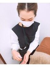 スタッフ全員施術前・施術後など定期的な手指消毒の実施