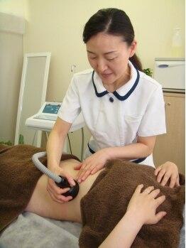 耳つぼアンドスリムケア イヤローブ(Earlobe)/筋膜セラピー上半身20分¥5500
