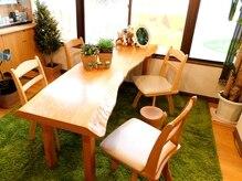 ヴェルデ フォレ(verde foret)の雰囲気(芝生の上のような寛ぎ空間。もう少しだけ~と長居しちゃう?)