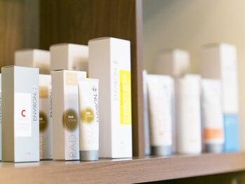 プライベートサロン ムラカミ(Private Salon MuRaKaMi)の写真/価格以上の効果【エンビロンAHAコース80分¥4900】年齢と共に気になるシミしわ改善!憧れの陶器肌へ導く♪