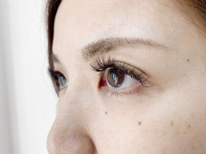 プラスアイラッシュ(Plus eye lash)の写真