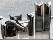 厳選された化粧品を使用し、悩みを改善。