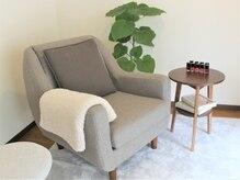 リッカ(licca)の雰囲気(フットの施術はこちらで。心地よいソファで特別な時間を。)