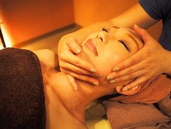 バリ曼荼羅(BALI MANDARA)の写真/キレイなお肌へ導く!バリ曼荼羅のフェイシャルコースでお肌に潤い補給♪マッサージ付で透明感もUP☆