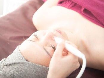 ボディ メイク サロン エヴィの写真/[毛穴ごっそり洗浄ケア]うるつやベーシック♪業界注目の過熱水蒸気スチーマーで毛穴の大洗浄!感動の艶肌へ!