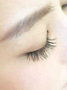 リラクシング スパ ハヤマ ブリーズ(Relaxing Spa Hayama Breeze)の写真/丁寧なカウンセリングの後、まつ毛の健康状態・くせに合わせて毛をセレクト。ベストなデザインをご提案。