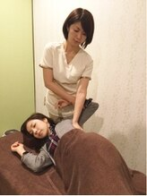 女性専用整体サロン フレル(Frele)/背中の施術